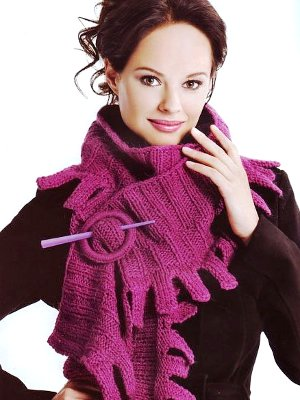 платками и шарфами.