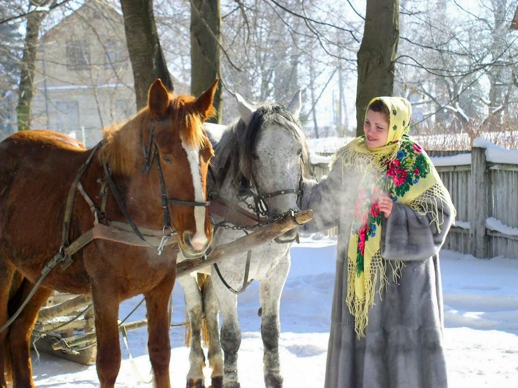 Как носить русские платки